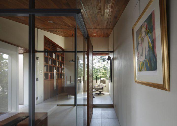 ガラス壁でオシャレに仕切る書斎