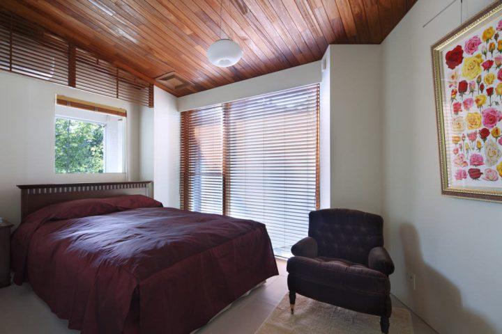 リゾートホテルのようなオシャレなベッドルーム