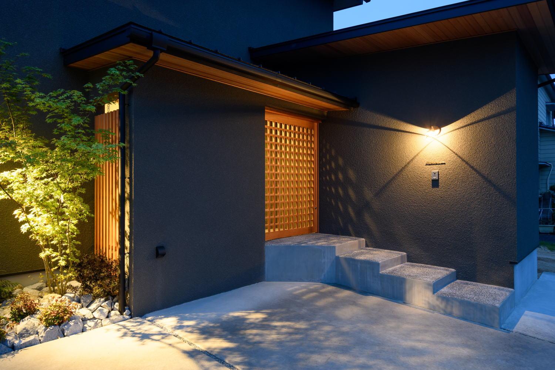 照明と外構が演出する和モダン注文住宅