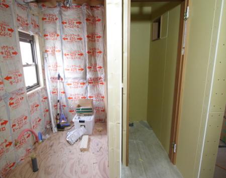 学生向け賃貸ですが浴室とトイレは分けて造られています