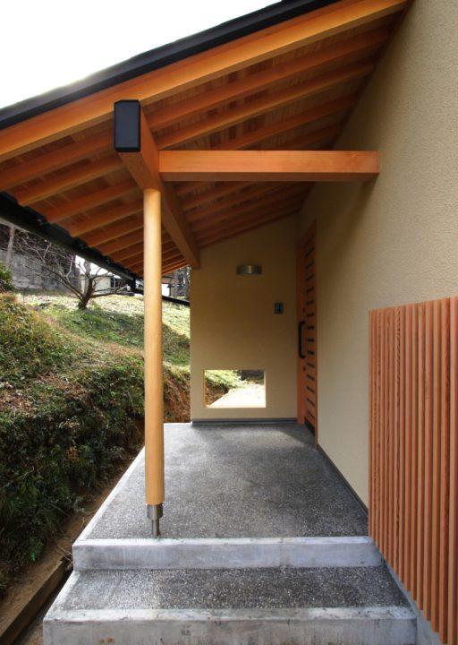 和風の佇まいの玄関