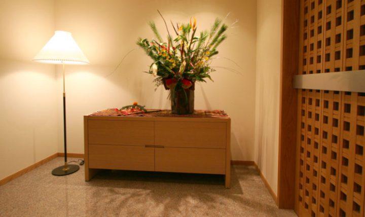 岡山市南区に完成した高級住宅、飾り棚で生け花や季節のインテリアを楽しむ
