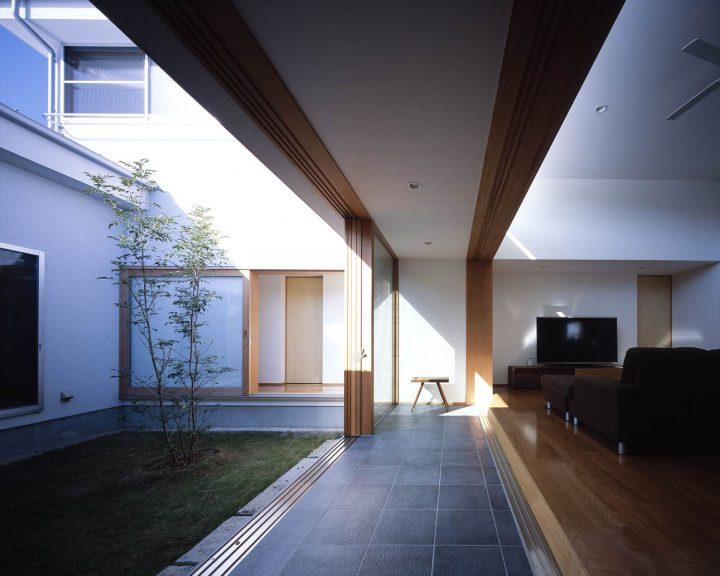 中庭と土間スペースがあるデザイン住宅