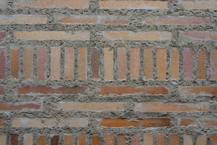 アンティーク感を出したタイル壁