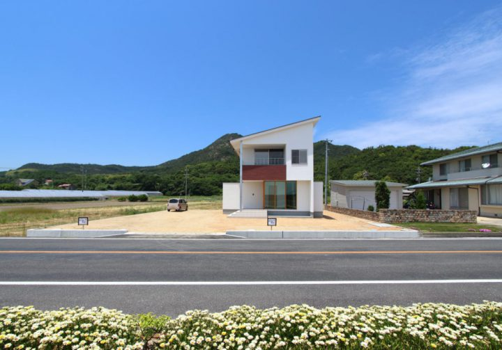 玉野の海を眺める家