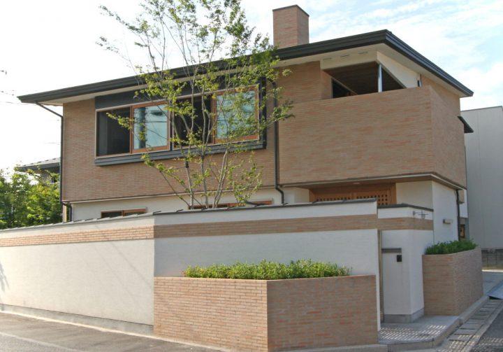 岡山市南区に完成した高級住宅の迫力ある住宅外観