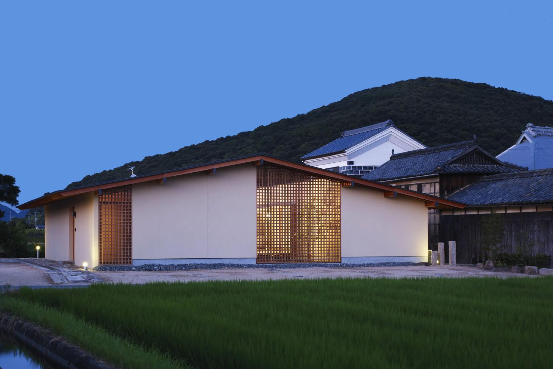 田園風景に佇むシンプルな和の平屋