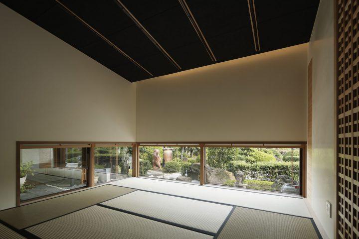 倉敷市の高級住宅、庭園を眺める和室