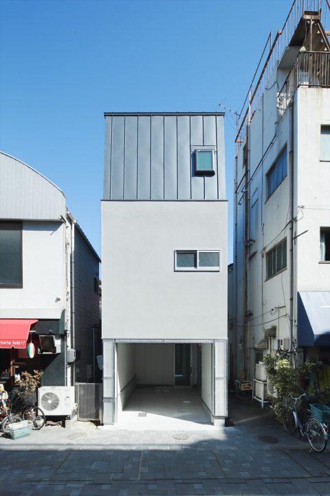 狭小地に建つカッコイイ都市型注文住宅