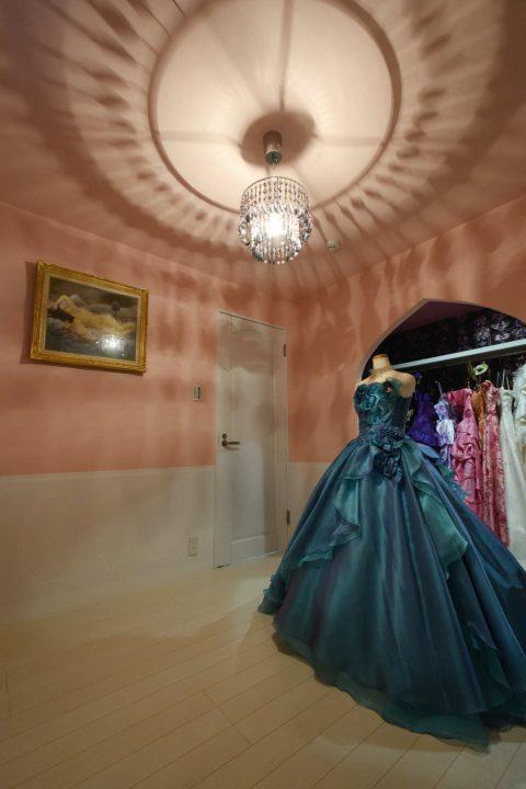 奥様のこだわりがつまった衣裳室