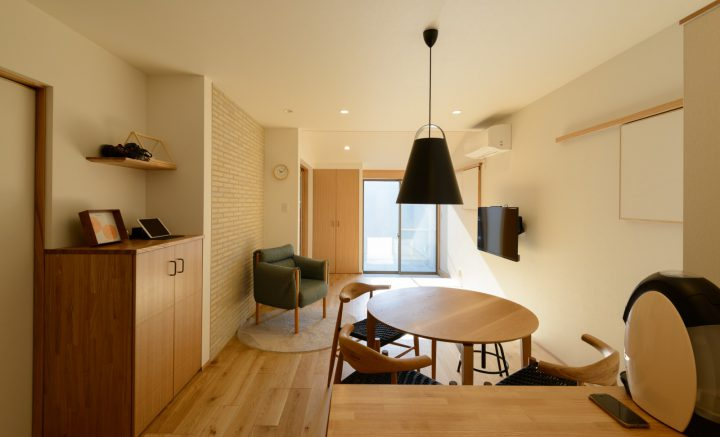 早島に完成した注文住宅、大屋根の家のLDK