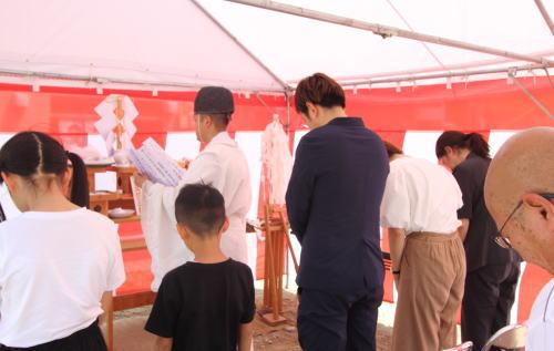 岡山市中区海吉に建築がスタートした三角形の理容室STAYの地鎮祭風景