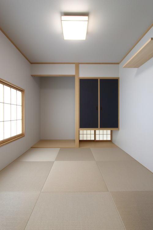 リビング横の落ち着いた和室