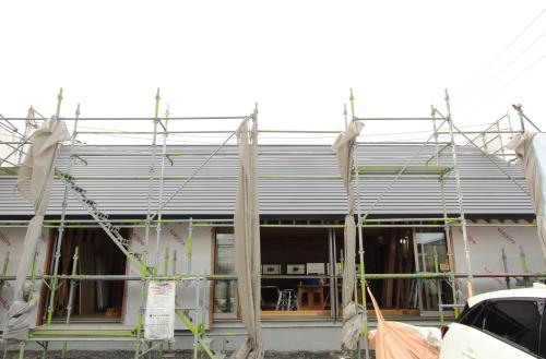 シンプルながら絵になる切妻屋根の住宅外観