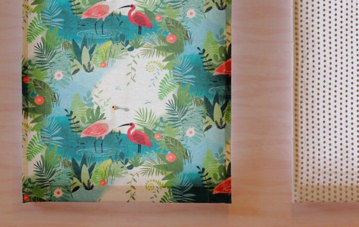 岡山市の注文住宅Wall Dsignの海外ブランドのかわいいロールカーテンとクロス