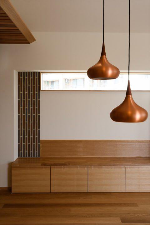 岡山市の注文住宅Wall DsignのLDKとペンダント照明