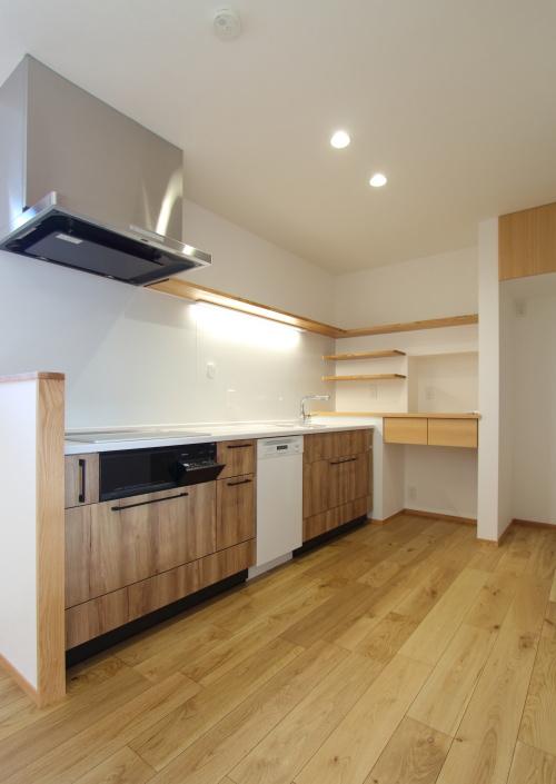 2世帯住宅のリノベーション工事、新しくなった食洗器付きキッチン