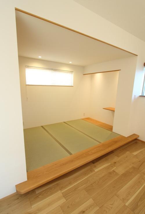 使い勝手のいいリビング横の畳スペース
