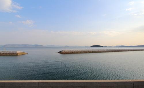 リビングからは波が穏やかな瀬戸内海を一望できます