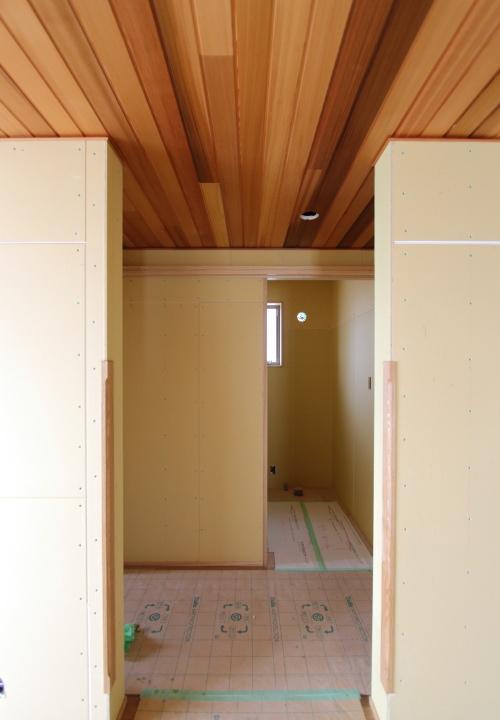 倉敷市に建築中の平屋、ホテルのような奥まった個室