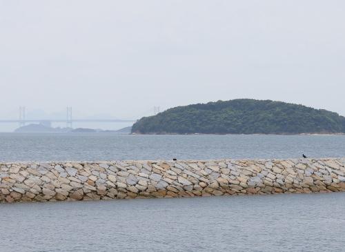 倉敷市に建築中の平屋、リビングから見える穏やかな瀬戸内海の風景