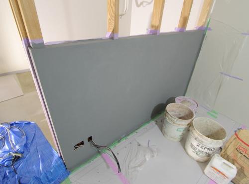 岡山市北区表町の店舗改装工事、モルタルアート施工前の壁