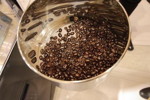 こんがりローストされたツヤツヤの珈琲豆