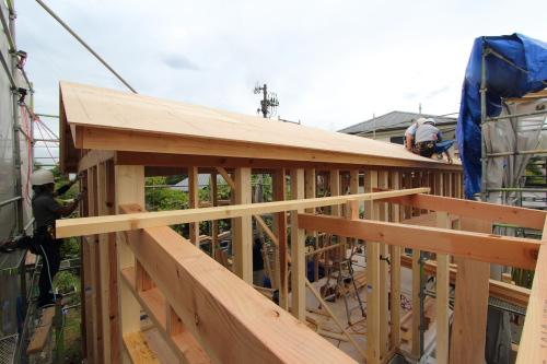吉備中央町に建築がスタートした絵本の図書館コミュニティスペース、スッキリとした屋根